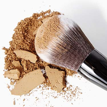 Large All-Over Face Powder Brush | Beauty Pie