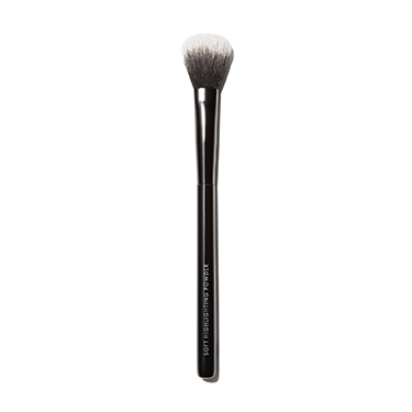 Soft Highlighting Powder Brush