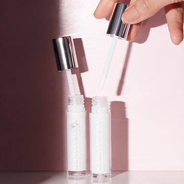 Wondergloss Collagen Lip Oil + by Beauty Pie